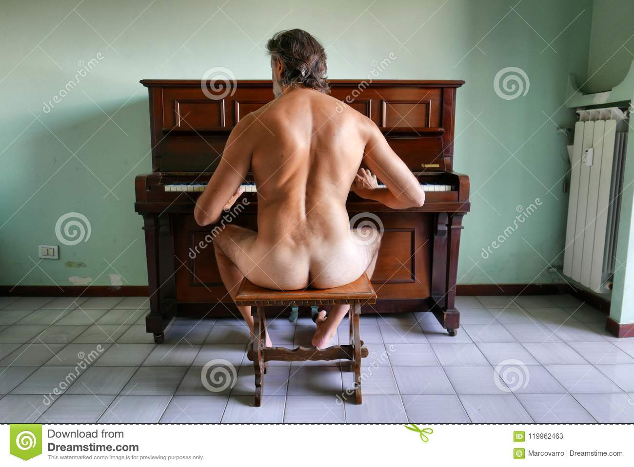 Pictures of classic mature male nudes