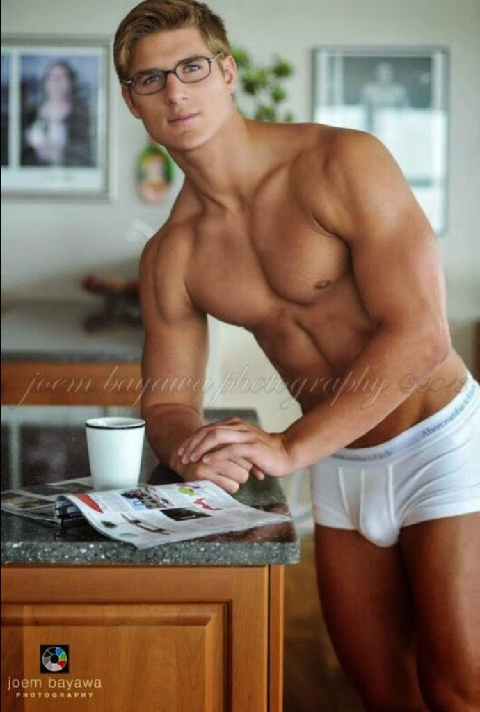 Sexy naked male nerd